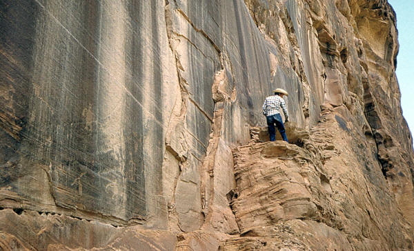 Cliff wall with petroglyphs, Canyon De Chelly, Arizona.