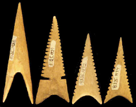 Four bone Cahokia points.